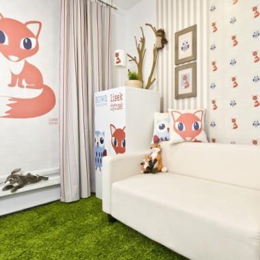 Naklejki na ścianę do pokoju dziecka-Miarka wzrostu z liskiem i sową. Edukacyjny komplet naklejek.