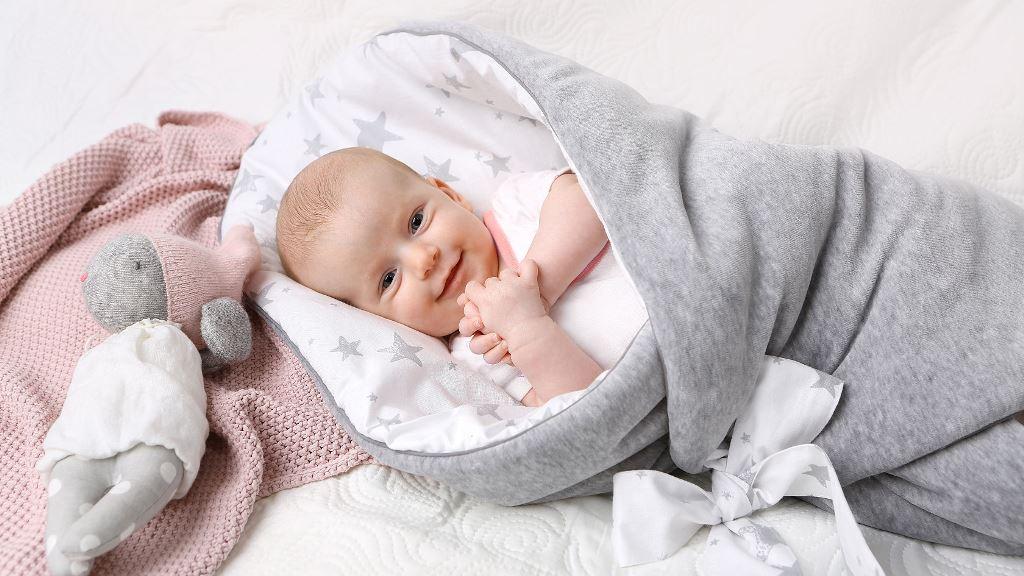 rozek-dla-niemowlaka-GreyStars-gwiazdy-szare. Prezent na Babyshower.