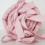 Różowy pikowany ochraniacz z falbanką do łóżeczka dziecięcego