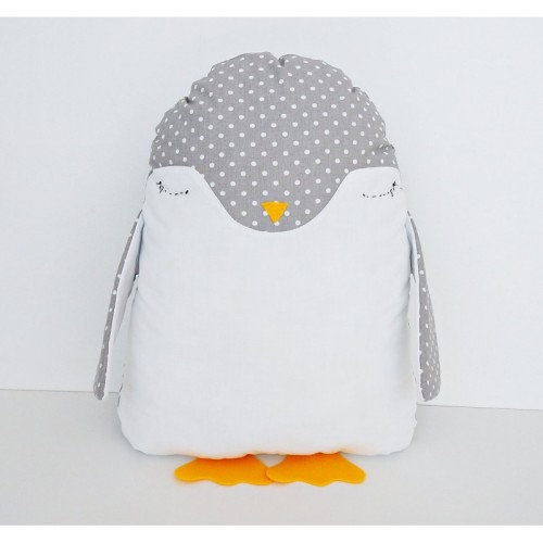 Poduszka Pingwinek, z ręcznie wyszytymi oczkami.