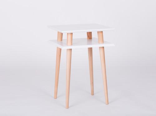 Nowoczesny, kwadratowy stolik kawowy do salonu lub pokoju dziecka. biały