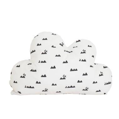 Poduszka chmurka w prosty i ponadczasowy biało-czarny wzór góry i króliczki.