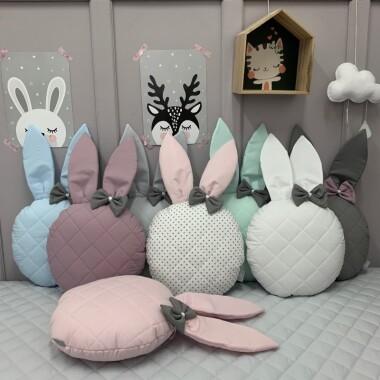 Ozdobna pikowana poduszka z uszami króliczka :)