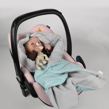 Mint&Berry - pikowany śpiworek/otulacz do fotelika samochodowego