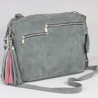 Duża, modna i elegancka szara skórzana torebka. Ozdobiona dodającym szyku frędzlem.