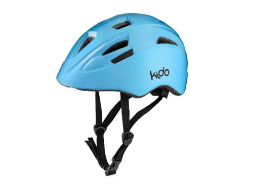 Bezpieczna zabawa na rowerku tylko w kasku chroniącym głowę.