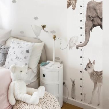 Piękna i użyteczna dekoracja. Miarka wzrostu do pokoju chłopca a także dziewczynki.