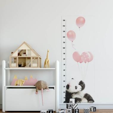 Przemiła panda. Dekoracja do pokoju dziewczynki.