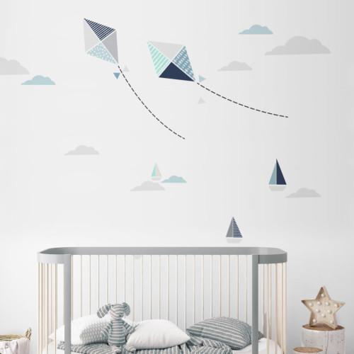 Dekoracja ściany w doskonałym stylu. Ozdobi gabinet lub pokój nastolatka.