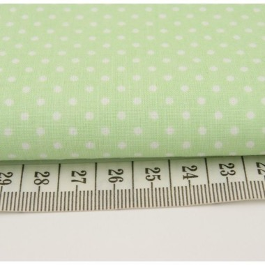 Bawełniane zasłony w pistacjowej tonacji. Idealne do pokoju niemowlaka lub przedszkolaka.
