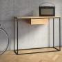 Konsolka, której design jest doskonały, do tego luksusowe materiały i wykwintne wykończenie.