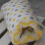 Poduszka do karmienia na rękę szaro-żółte groszki