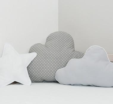 Zestaw 3 poduszek w kształcie chmurek i gwiazdki