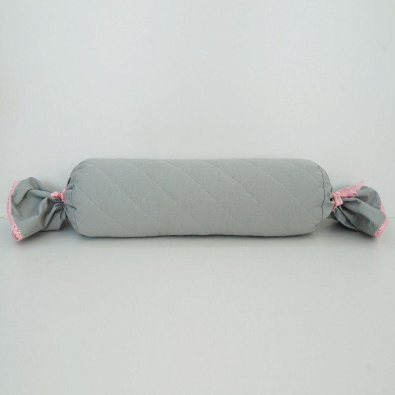 Dekoracyja poduszka do pokoju dziecięcego - wałek