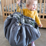 Mata do zabawy dla dzieci/niemowląt wykonane z wysokiej jakości tkaniny, zakładane na gumkę. Motyw roślinny.