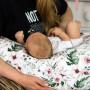 Wielofunkcyjna poduszka dla kobiet w ciąży, trzymania dziecka, do karmienia dziecka w różowe kwiaty