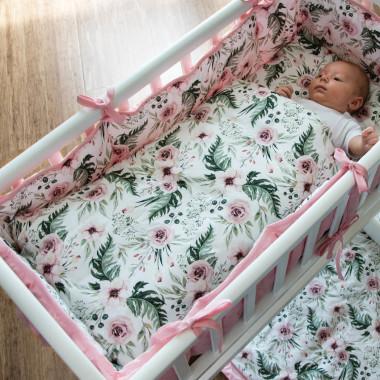 Miękka, bawełniana pościel w różowe kwiatki do kołyski lub wózka