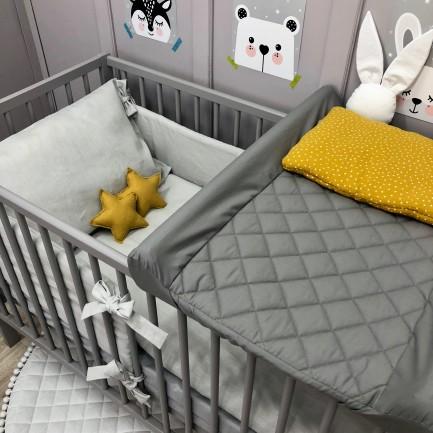 Pikowane prześcieradło/pokrowiec na przewijak niemowlęcy-szare, różowe, białe, w kropki