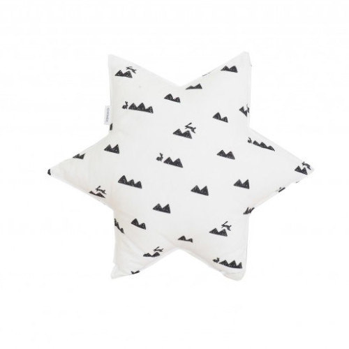 Poduszka gwiazdka w  czarno-biały wzór góry i króliczki.