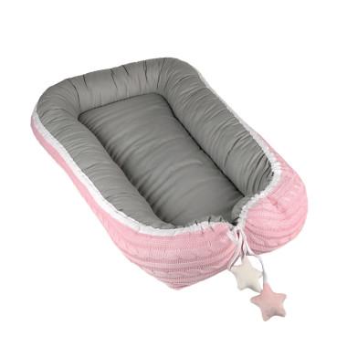 Dwustronny, miękki, dwukolorowy: różowo-szary kokon dla niemowlęcia