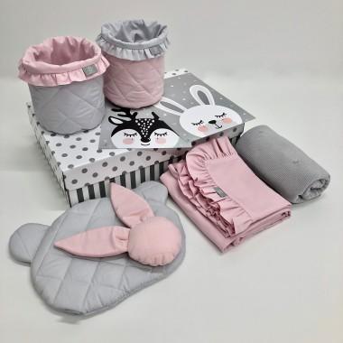 Różowo-szary zestaw prezentowy-idealny prezent na babyshower/ z okazji narodzin dziecka