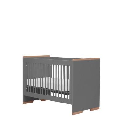 Szare łóżeczko niemowlęce z wyjmowanymi szczebelkami i regulowaną wysokością.
