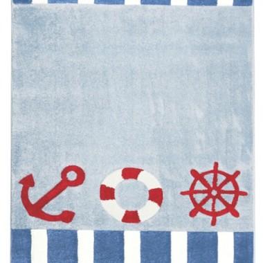 Dywan do pokoju dziecka w stylu marynarskim. Niebiesko-biało-czerwny dywan z kotwicami i kołem ratunkowym