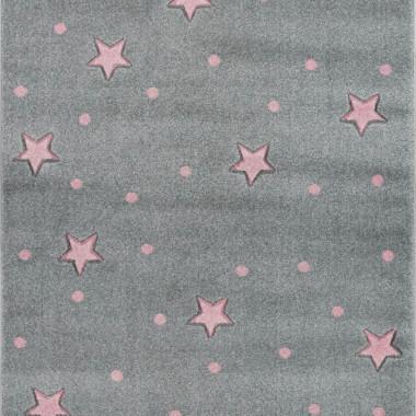 Przepiękny szary dywan dziecięcy w różowe gwiazdki i kropki nada niepowtarzalnego charakteru każdemu pokoikowi dziecięcemu.