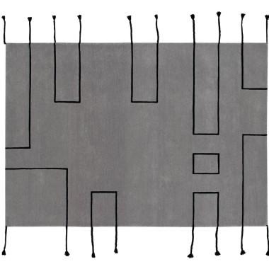 Dywan w stylu skandynawskim, szary z czarnymi liniami.