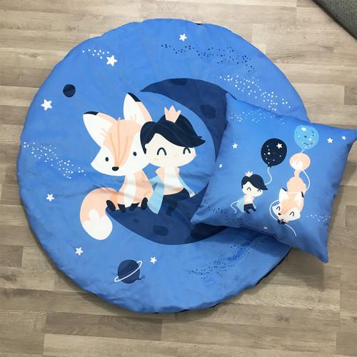 Wyjątkowa i funkcjonalna mata dziecięca Mały Książę oraz granatowe minky velvet, w komplecie z poduszką ozdobną.