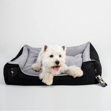Legowisko CEZAR 100cm/80cm w kolorze czarnym to wygodna kanapa dla psa. Dwustronna, wyciągana poducha oraz odwracalne boki dają możliwość urozmaicenia jego wyglądu