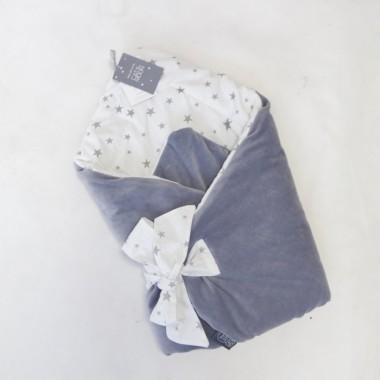 Szary bawełniano-welurowy, antyalergiczny rożek/ becik w gwiazdki dla niemowlaka