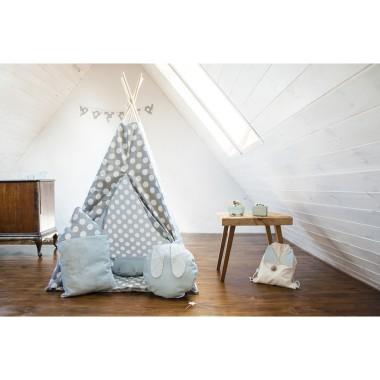 Namiot indiański Tipi w kolorze szarym w duże białe grochy. Zestaw posiada dwustronną podłogą.