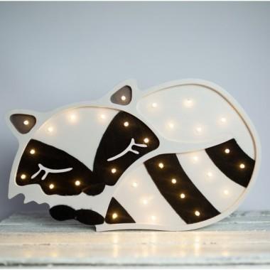 Oryginalna drewniana lampka w kształcie Szopa to pomysł na dodatkowe oświetlenie do pokoju dziecięcego.