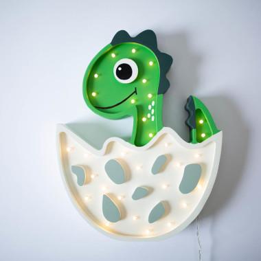 Oryginalna drewniana lampka w kształcie uroczego Dinusia to pomysł na dodatkowe oświetlenie do pokoju dziecięcego.
