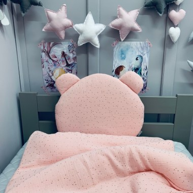 Komplet różowej pościeli dla niemowlaka/ noworodka. Kołderka i poduszka z wypełnieniem i poduszką miś.