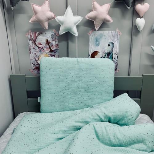 Komplet miętowej pościeli dla niemowlaka/ noworodka. Kołderka i poduszka z wypełnieniem i poduszką miś.