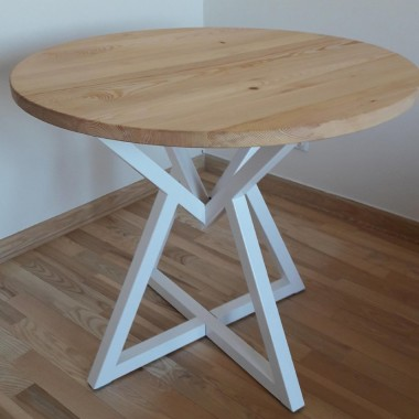 Drewniany okrągły mały lub duży stół