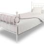 Narzuta na łóżko różowo-szara z pomponikami