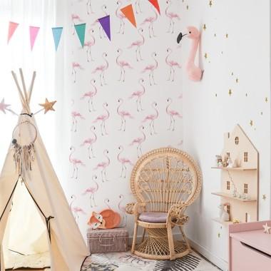 Tapeta flamingi to jedna z naszych ulubionych pastelowych dekoracji.