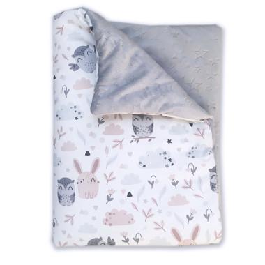 Ciepły kocyk dziecięcy, wykonany z bawełny ze wzorem w Sowy i Króliczki oraz minky.