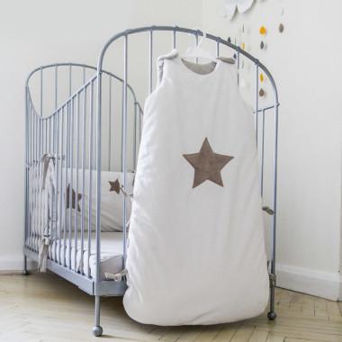 Biały śpiworek niemowlęcy do spania-gwiazda