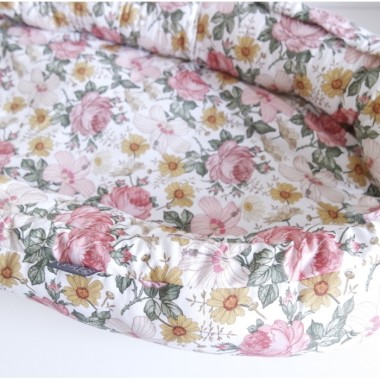 Przepiękny kokon dla noworodka w kwiaty w stylu Boho.