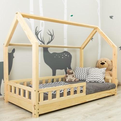Łóżko domek dla dzieci w stylu skandynawskim. Drewniane z barierką.