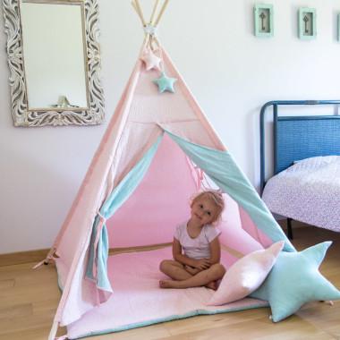 Delikatny różowo miętowy namiot dla dziecka tipi