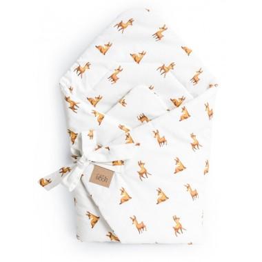 Jeśli chcesz zapewnić dziecku komfortowy sen od pierwszej nocy, a sobie dać pewność stabilniejszego utrzymania maluszka i pozbyć się strachu przed wzięciem nowo narodzonego dziecka na ręce polecamy nasz rożek:  Rożek uszyty ze 100% wysokiej jakości bawełny w uroczy motyw sarenek. Jest miękki i lekko sprężysty, aby maluszkowi było miękko i przyjemnie, a Ty abyś  wygodnie utrzymała je na rękach w pierwszym okresie życia.   Zawiązywany jest na kokardkę, dzięki czemu swobodnie będziesz mogła regulować sposób wiązania.   Odpowiednia grubość wypełnienia, optymalna na każdą porę roku.  W późniejszych miesiącach po rozłożeniu, rożek może służyć jako mata do zabawy, czy lekka kołderka.