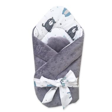 Dwustronny rożek niemowlęcy (becik) wykonany z wysokiej jakości bawełny w Pastelowe Misie oraz miękkiego i miłego w dotyku minky.