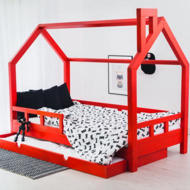Czerwone łóżeczko domek do pokoju dziecka,barierki, komin, kolorowe łóżeczko. Pokój dziecka-inspiracje.