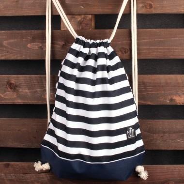 Praktyczny, pojemny worek plecak Nuff. Wykonany z mocnej, impregnowanej tkaniny poliestrowej.