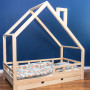 Ł.óżko domek dla dziecka w kolorze drewna z szufladą i barierkami